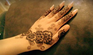 simple-henna-mehndi-designs-2014-Hands-2015-for-Eid-Hands-Beautiful-Top-Best-Cool-Facebook-Images-Pic-Pakistani-Indian-bangladesh
