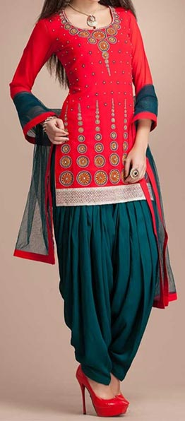 Latest Fashion of Patiala Salwar Kameez Kurti 2015, Punjabi Suit Neck Gala Designs India Red Green Color Combination