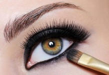 how-to-apply-eyeliner-for-smoky-eyes-Step-3