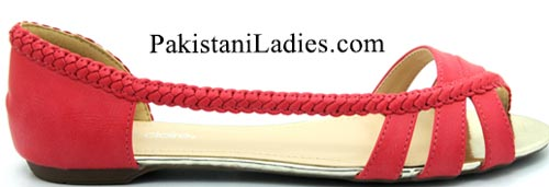 Bata-Shoes-Prices-Pakistan-New-Arrival-winter-Collection-2015-for-Women-Girls-PKR-2499Bata-Shoes-Prices-Pakistan-New-Arrival-winter-Collection-2015-for-Women-Girls-PKR-2499