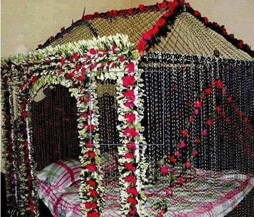Beautiful bridal room decoration masehri with flowers in india for Wedding room decoration ideas