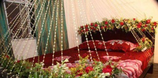 Beautiful Bridal Wedding Room Decoration Masehri With Flowers Idea Pics Karachi Pakistan