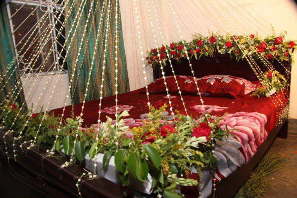 Beautiful bridal room decoration masehri with flowers in Decoration for wedding room