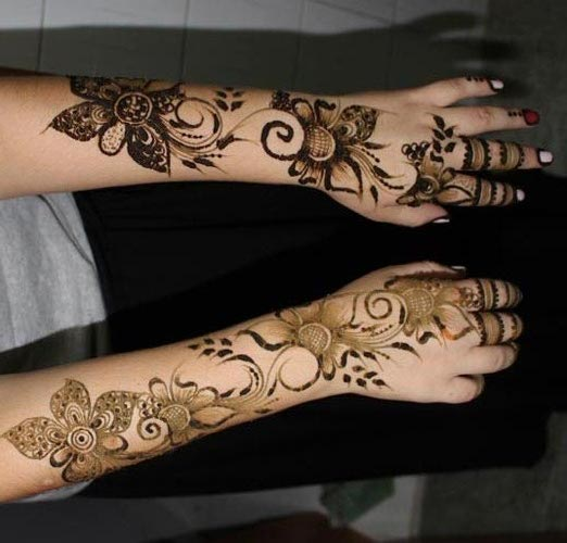 Bridal Omani Henna Designs for Full Hands, Muscat Mehndi Facebook Pics 2015