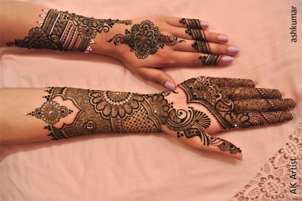 Stylish Hands Mehndi Designs For Bridal Wedding Eid Party