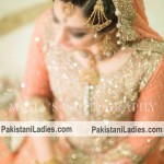 Latest Bride Wearing Gold Jewelry Sets Designs 2015 Pics Ideas Pakistan India Dubai US UK Necklace Earring Bangles Finger Ring