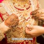 Latest Bride Wearing Gold Jewelry Sets Designs 2015 Pics Ideas  Pakistan India Dubai US UK Necklace Earring Finger Rings