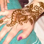 Latest Omani Henna Designs for Hands, Muscat Mehndi Facebook Pics 2015