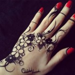 Simple Black Omani Henna Designs for Hands, Muscat Mehndi Facebook Pics 2015