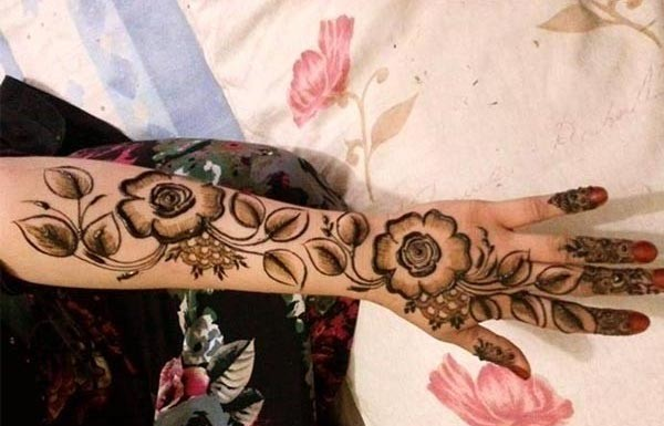 Stylish Bridal Omani Henna Designs for Full Hands, Muscat Mehndi Facebook Pics 2015