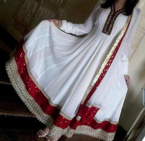 white-long-umbrella- Kalidar Suits, Kaliyon Kali Wali Frocks Designs 2015 Pakistan India