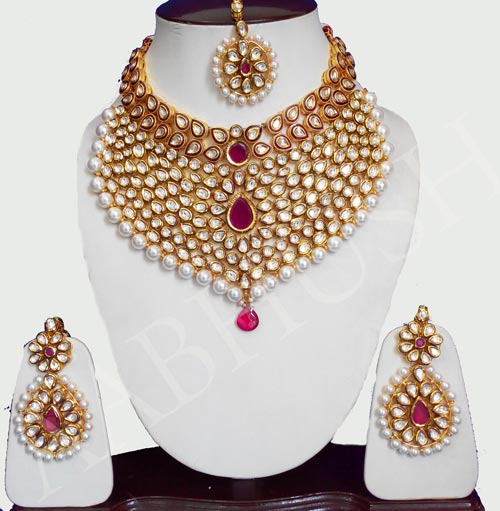 Gold-Maharani-Bridal-Jewelry-bridal-Set-2016