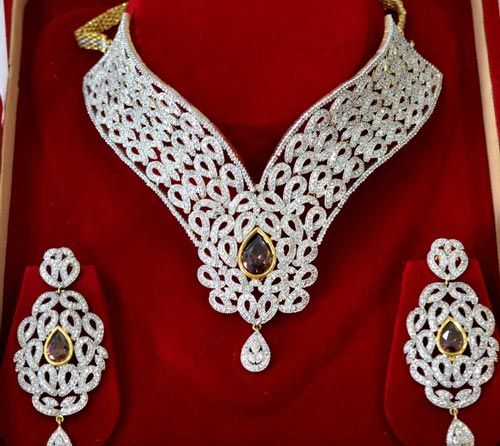 Jewelry-Sets-Designs-for-Bridal-2016-Diamond-Choker-Set