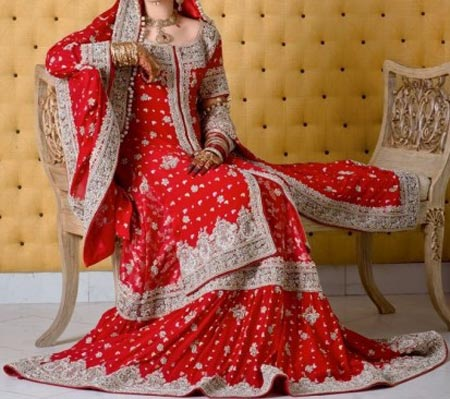 New Designs Fashion 2016 Straight cut Lehenga design India