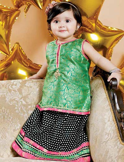 Little-Girls-Baby-Girls-Party-Wedding-Dress-Suit-Pakistani-Indian-2016-2017-Green-1