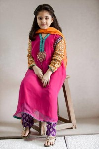 Little-Girls-Baby-Girls-Party-Wedding-Dress-Suit-Pakistani-Indian-2016-2017-Pink-1