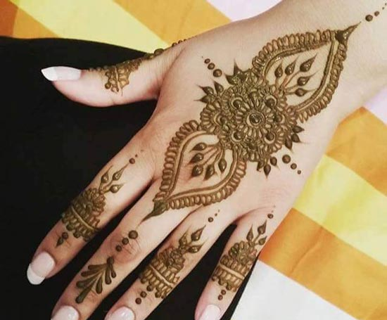Mehndi Designs Please : New stylish arabic mehndi design with creative minimalist in