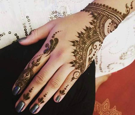 Beautiful-Best-Simple-Arabic-Mehndi-Designs-for-Hands-2016-2017-Pakistani