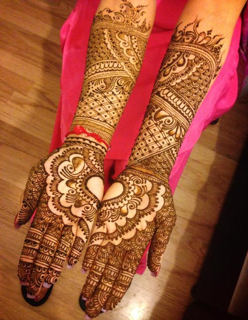 Latest Dulhan Mehndi Design For Full Hands Feet Legs