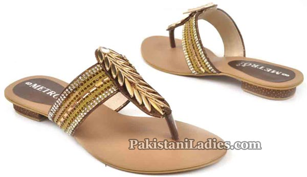 Metro Shoes Flat Chappals Slippers Designs 2016 2017 Prices PKR-1995
