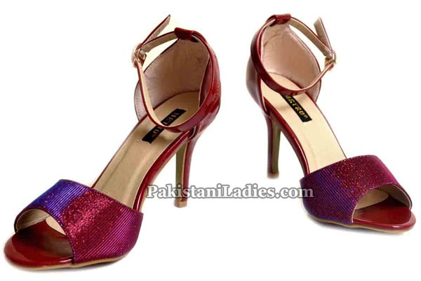 Metro-Shoes-Summer-and-Eid-Collection-2016-2017-with-Prices-High-Heel-PKR-2395