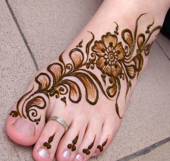 bridal-indian-mehndi-designs-for-feet-2017-2018