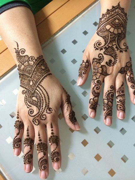 simple-arabic-indian-mehndi-design-for-hands
