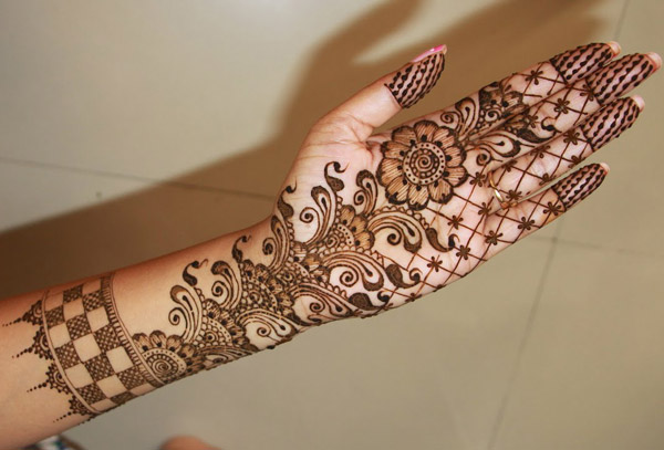 Mehndi Free Hand : Cone mehndi designs  for hands images free download