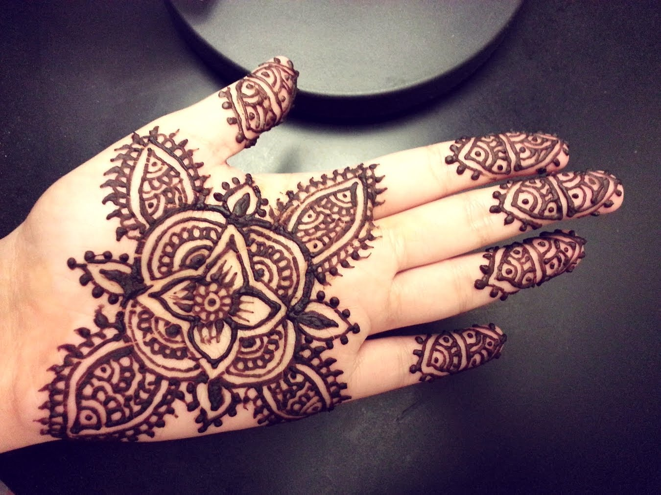 50 Simple Mehndi Designs Collection 2018