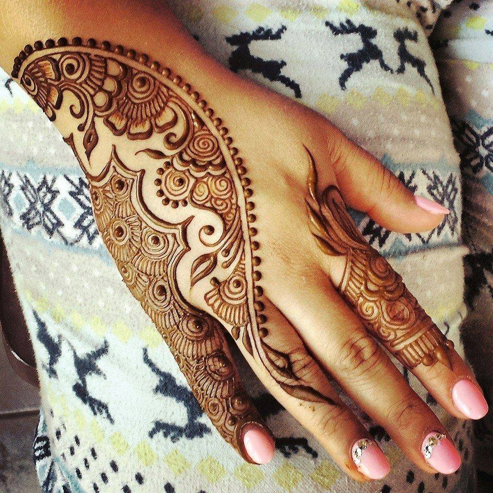 Simple Mehndi Design for Party